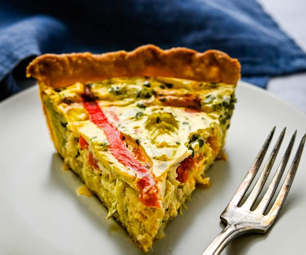 Roasted Bell Pepper and Artichoke Quiche