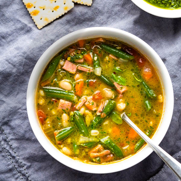ham and vegetable soup with pistol