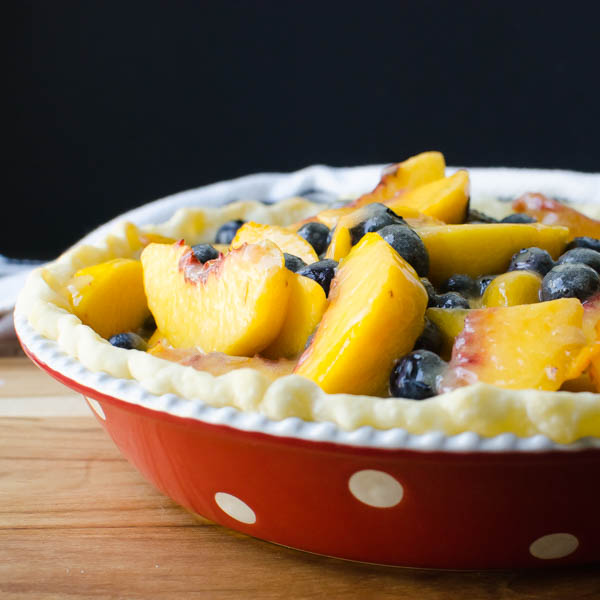 peach blueberry filling in pie crust