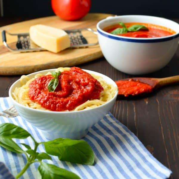20-minute pomodoro sauce | Garlic + Zest