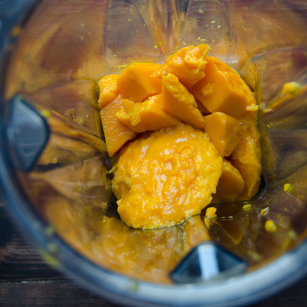 mangoes in a blender.