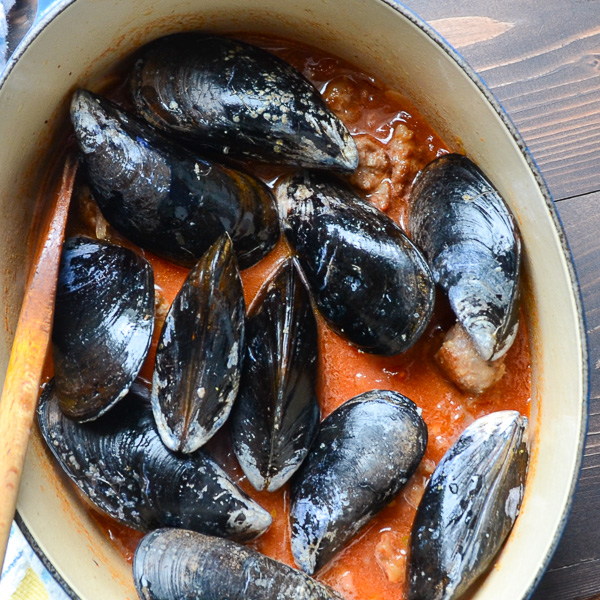 wine and garlic mussels with sausage | Garlic + Zest