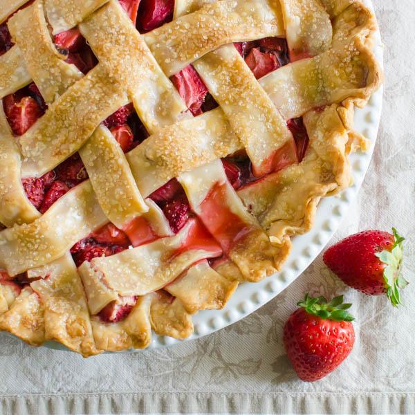 Old Fashioned Strawberry Rhubarb Pie | Garlic + Zest