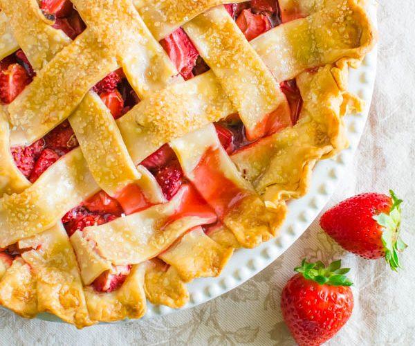 Old Fashioned Strawberry Rhubarb Pie