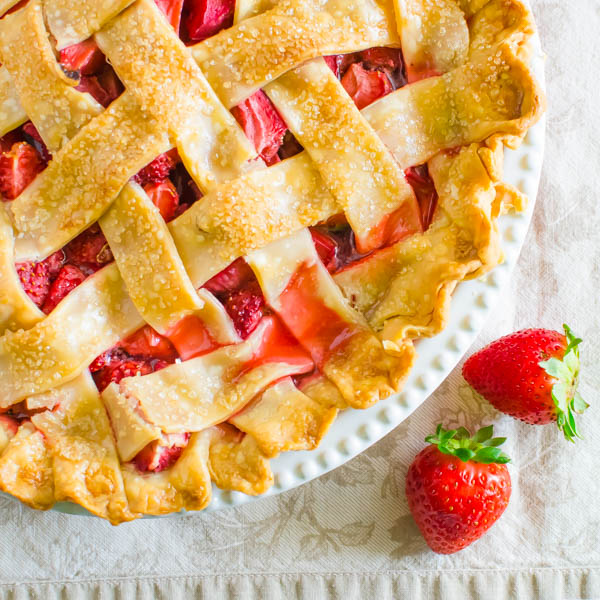 Old Fashioned Strawberry Rhubarb Pie
