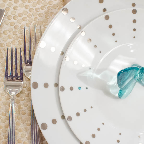 Modern and whimsical at the same time, this place setting shimmers!