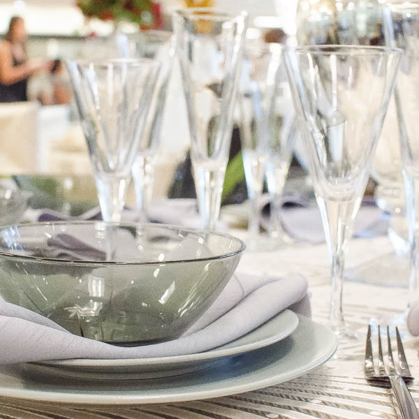 Smoky and modern, this table demands a bottle of bubbly!