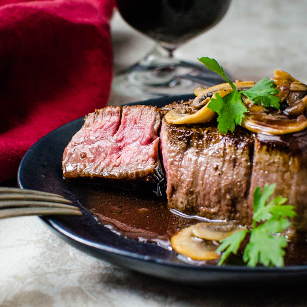 Pan Seared Filet Mignon Bordelaise