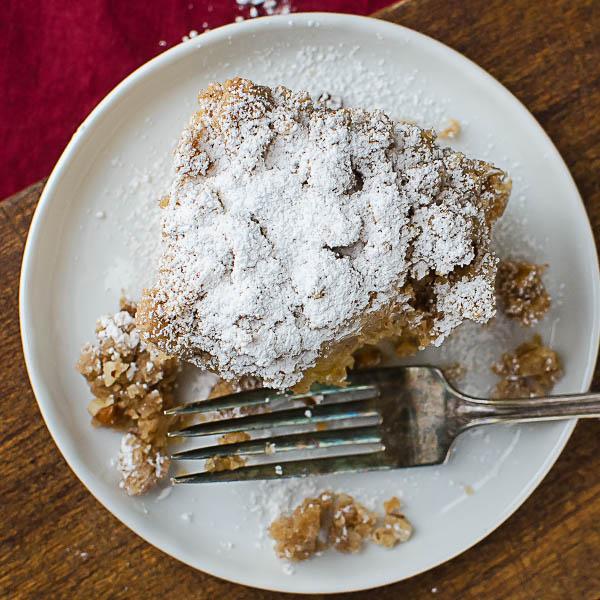 Cinnamon Pecan Crumble Coffeecake