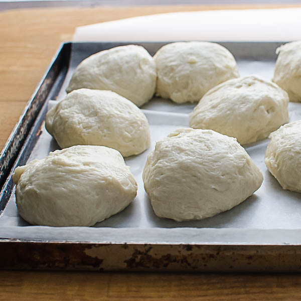 Let the dough balls rest.