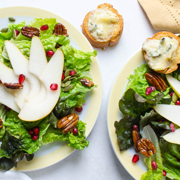 Pear Pomegranate Salad with Maple Dijon Dressing and Gorgonzola Croutons