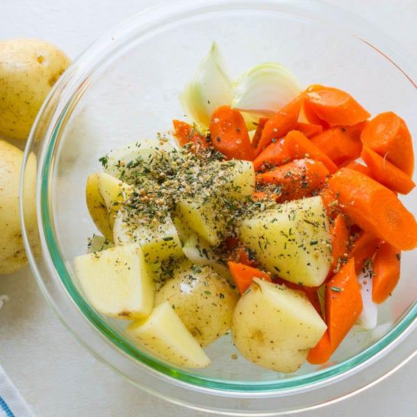 cut vegetables with herb seasoning.