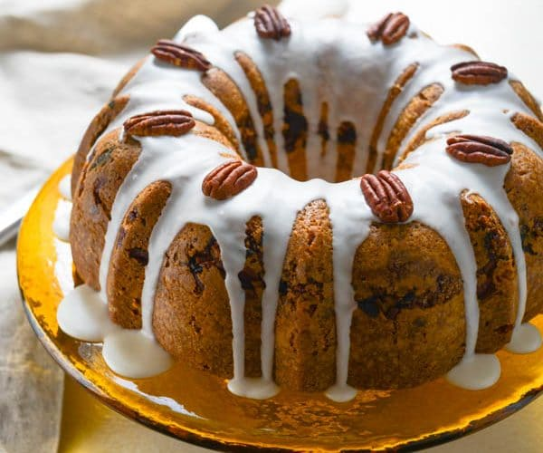 sour cream coffee cake with apricot pecan filling