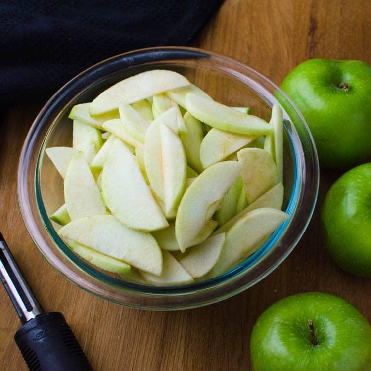 sliced apples for easy apple tart recipe