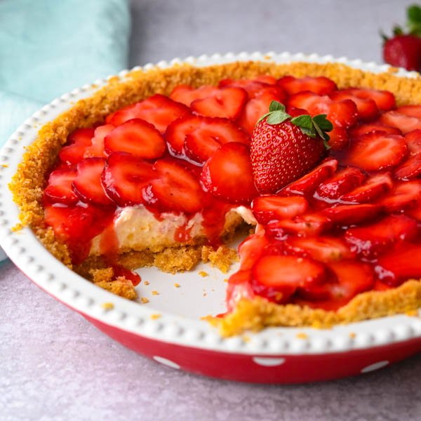 Fresh Strawberry Pie with Graham Cracker Crust
