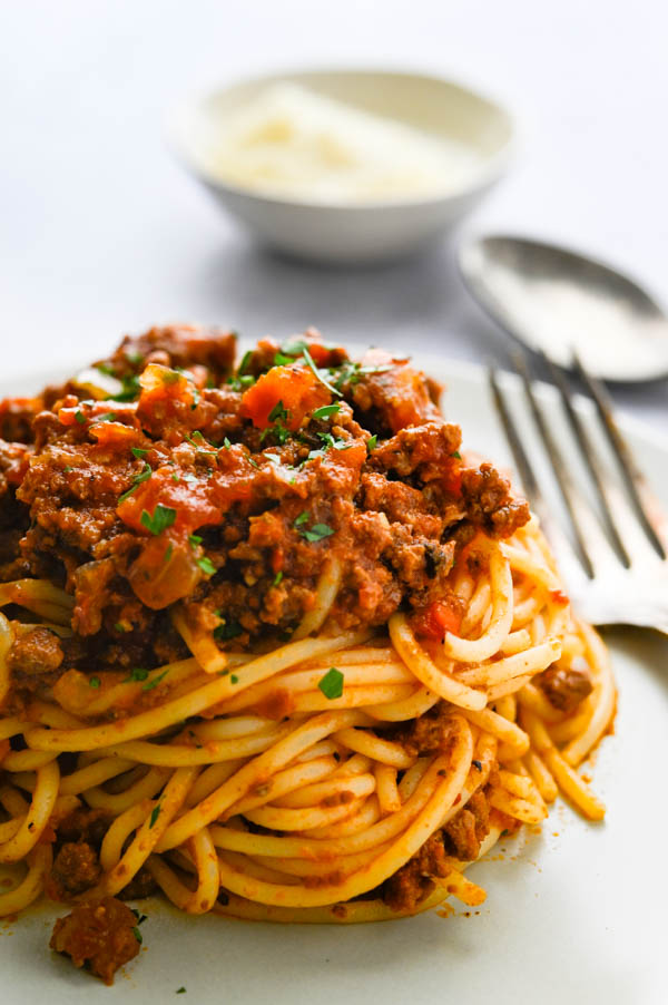 Ragu sauce recipe over spaghetti