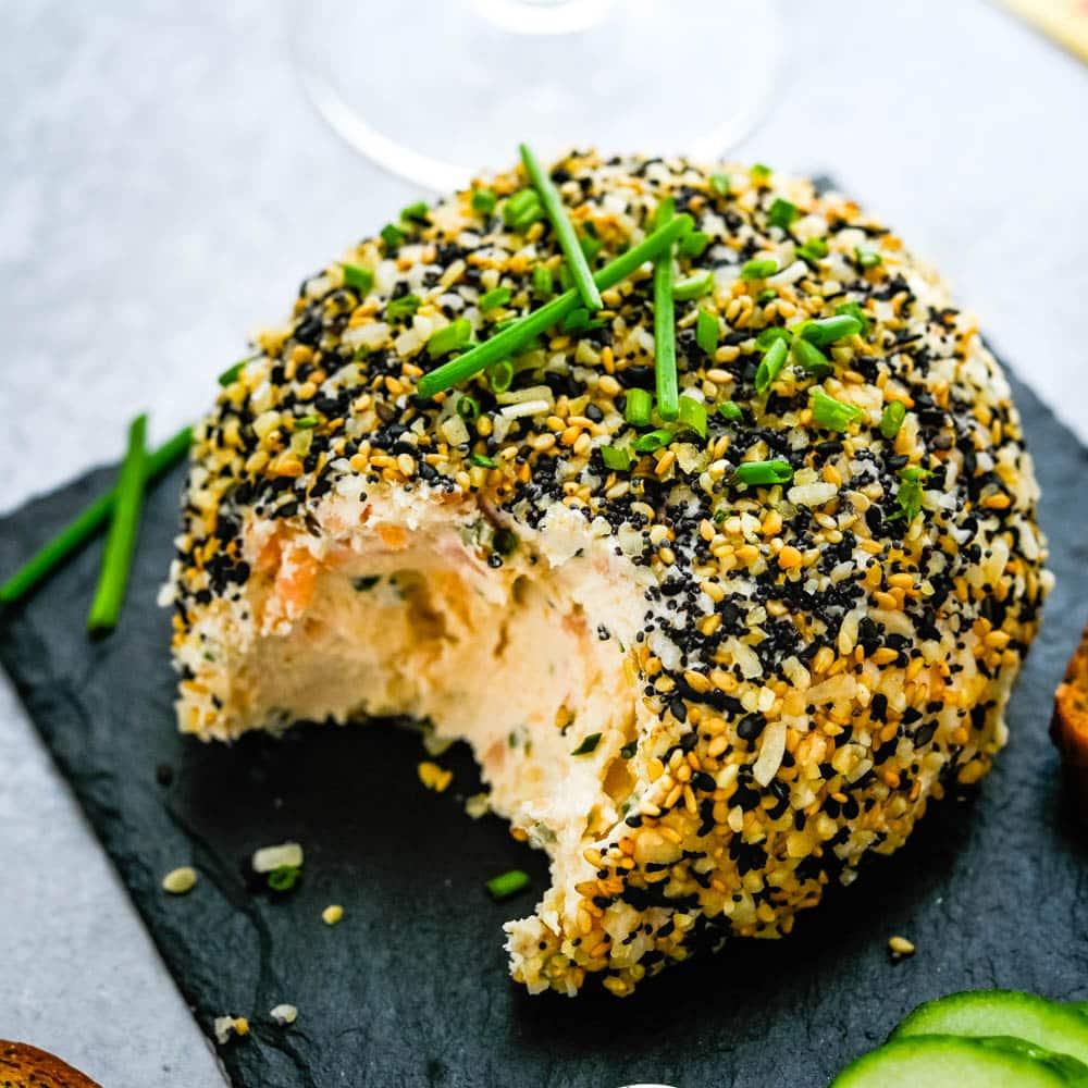 Smoked Salmon Cheese Ball with Everything Bagel Seasoning