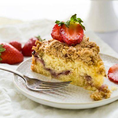 Lemon Strawberry Crumb Cake