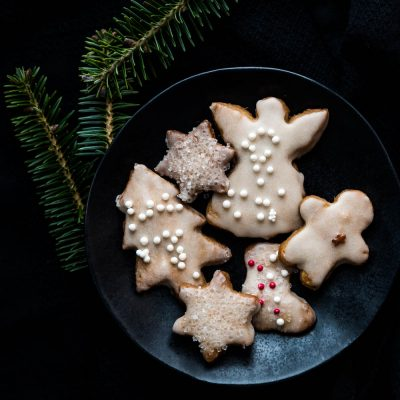 Easy Cutout Spiced Cookies For Christmas